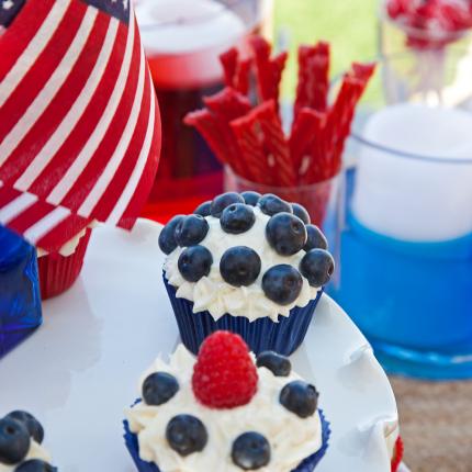 DessertTableSliceShot_WEB_MeghanbobPhoto